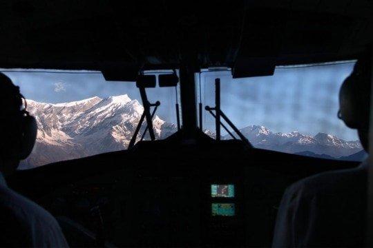 plane-flight-pokhara-jomsom-mustang-nepal-dhalaugiri